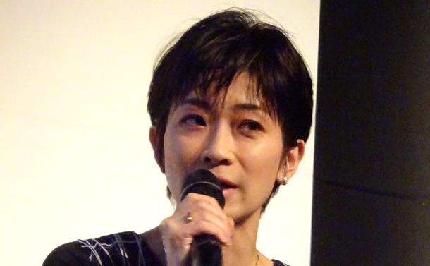 望月衣塑子の質問(2)菅官房長官とドタキャン