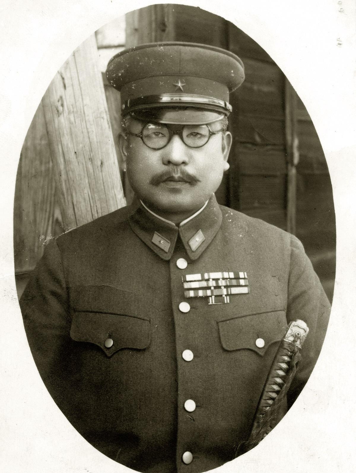 中村明人(軍人) 愛知県出身。陸軍士官学校、陸軍大学校卒業。陸軍少将(=写真)、1939年陸軍中将。憲兵司令官、泰国(タイ)駐屯軍司令官などを歴任。戦後、戦犯となったが不起訴釈放。財団法人日・タイ協会副会長