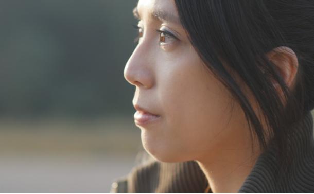 写真・図版 : 中年未婚者の生活リスク どうしますか?  leungchopan/shutterstock.com