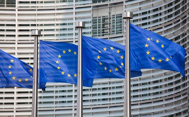 写真・図版 : ベルギーの首都ブリュッセルにあるEU本部(shutterstock.com/jorisvo)