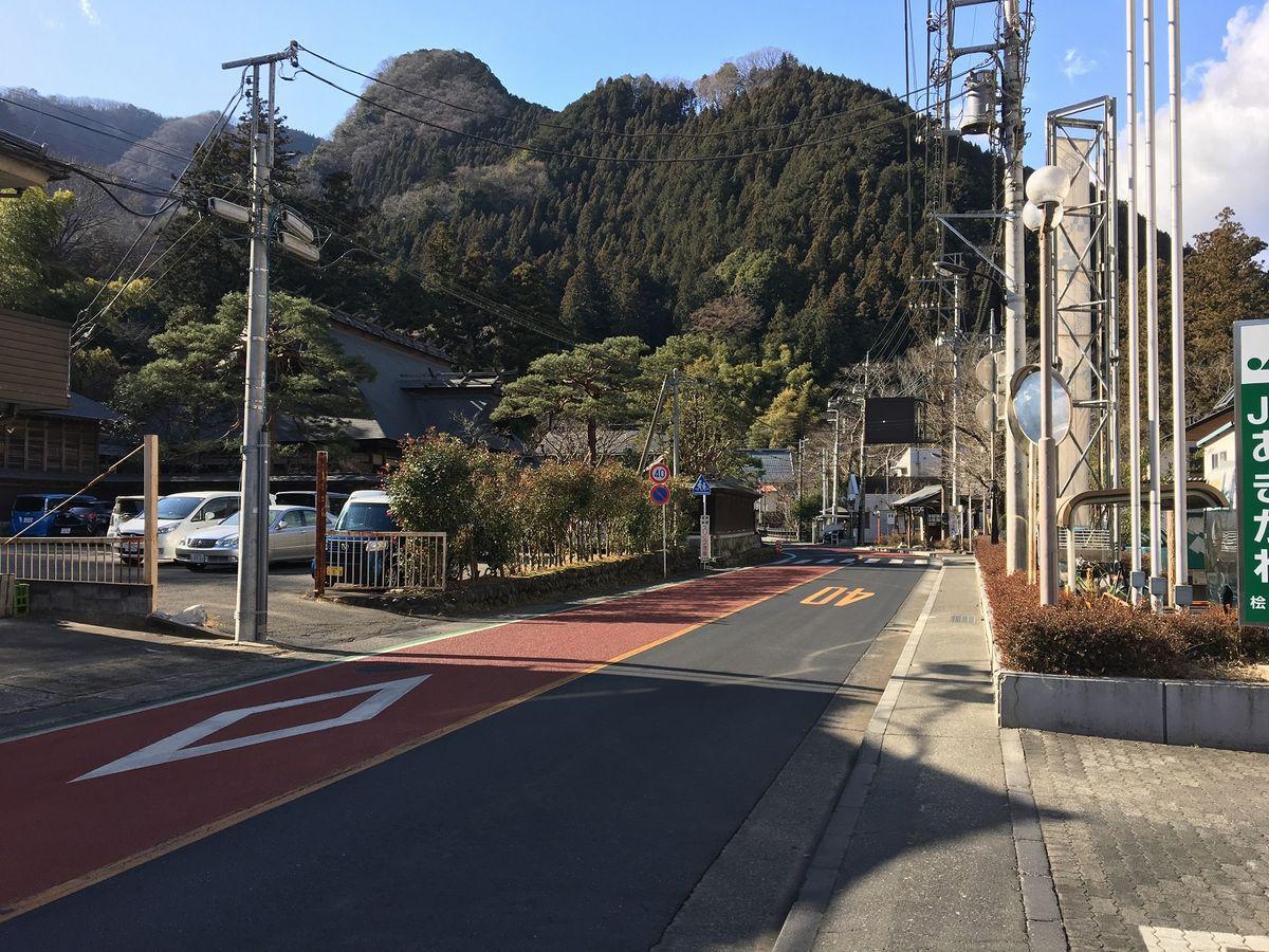 写真・図版 : 檜原村の中心である上元郷=西村慎太郎さん提供