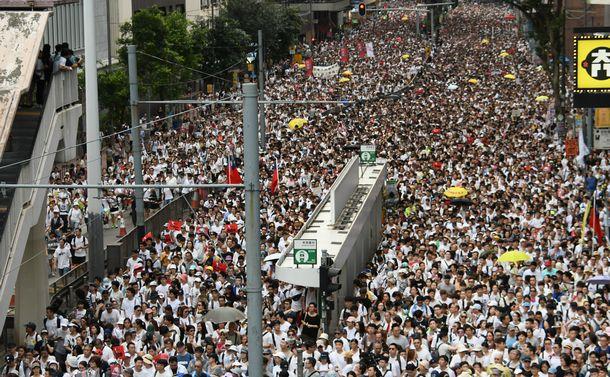 香港デモ 中国はなぜ「譲歩」を認めたのか
