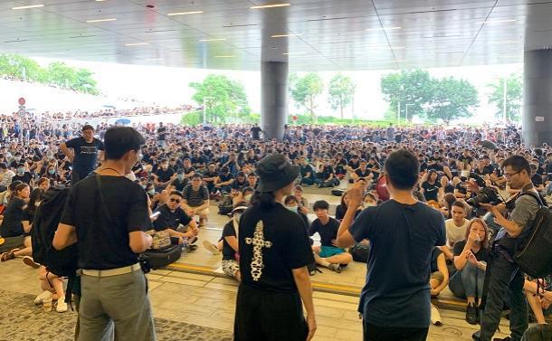 「必要善」として花開いた香港のデモ文化