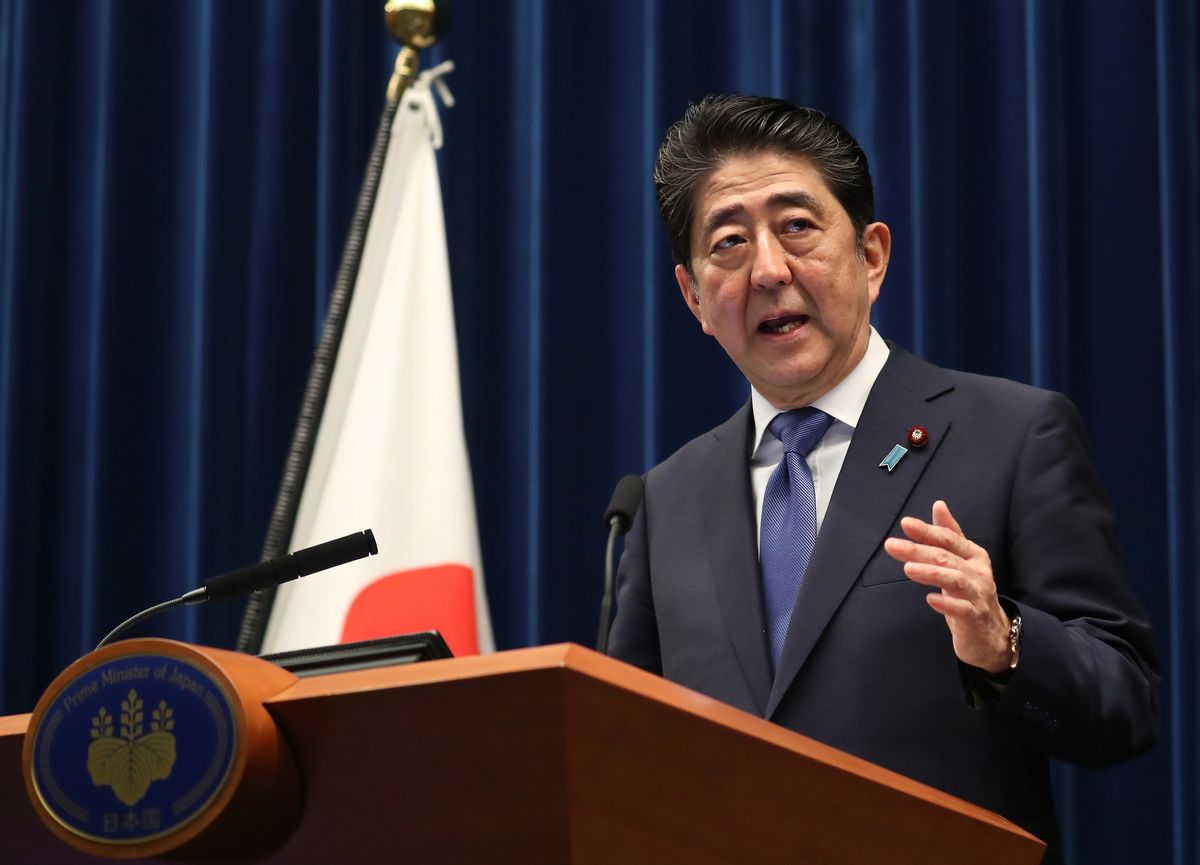 写真・図版 : 2017年9月、北朝鮮の核ミサイル問題などを挙げて「国難突破解散」を表明した安倍首相=首相官邸。代表撮影