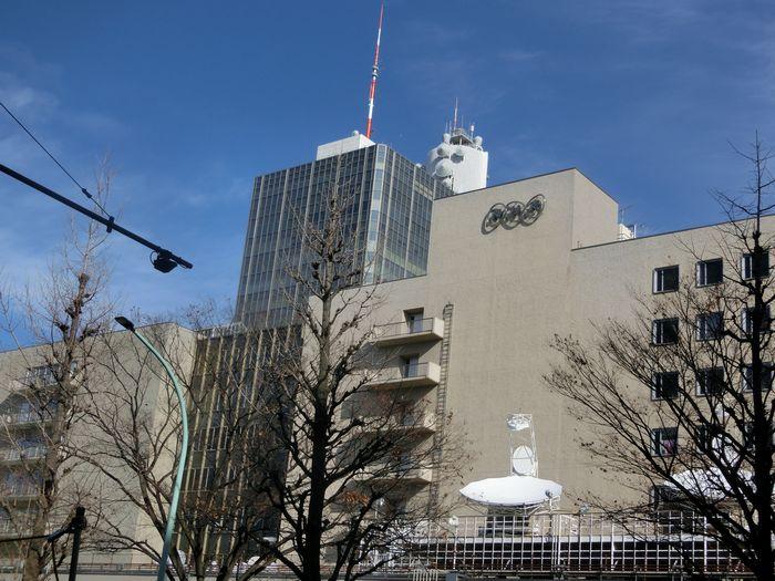 写真・図版 : 板野裕爾専務理事の復帰で揺れるNHK=東京都渋谷区」
