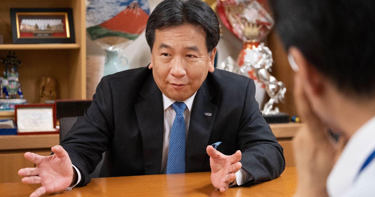 写真・図版 : 令和の新しい政治について語る枝野幸男さん=2019年6月28日、議員会館