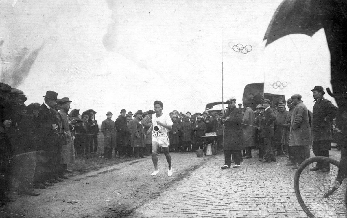 写真・図版 : アントワープ五輪に出場した金栗四三選手=1920年8月10日