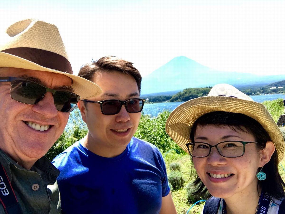 写真・図版 : 富士山はいつの時代もゴールデンルート。ただ、楽しみ方のバリエーションはガイドの腕次第だ=筆者提供