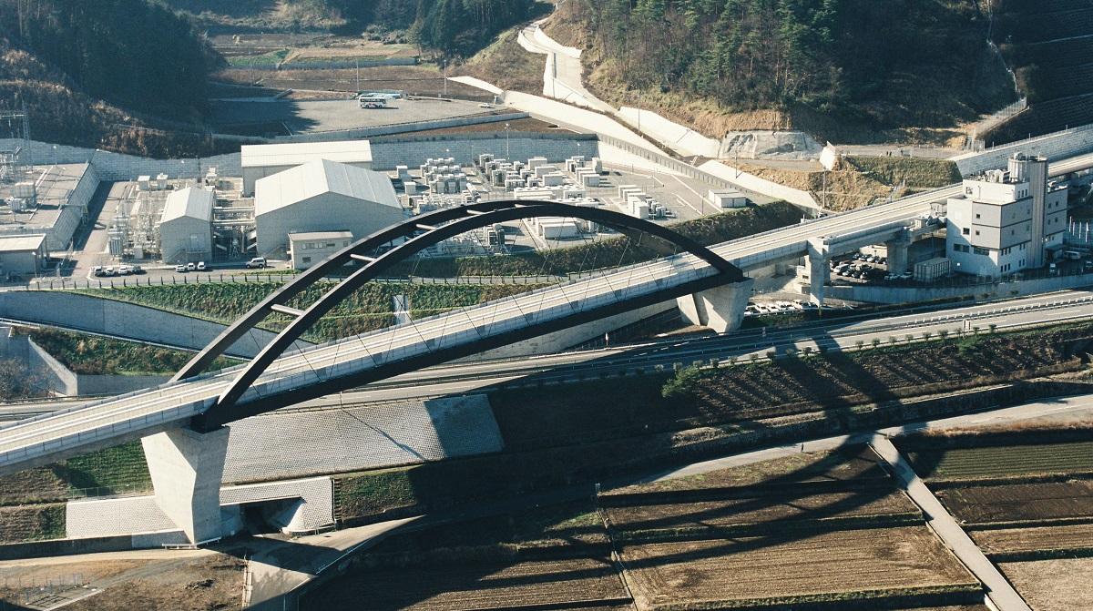 山梨県にあるリニアモーターカーの試験場1997年 山梨県大月市