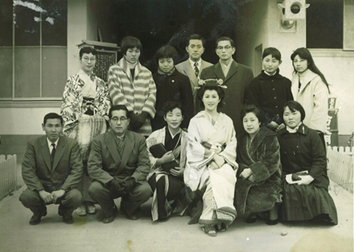写真・図版 : 昭和時代の亀田富染工場=筆者提供