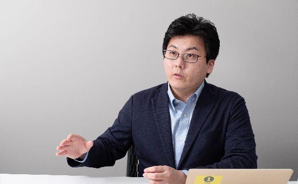 写真・図版 : JX通信社社長の米重克洋さん=撮影・吉永考宏