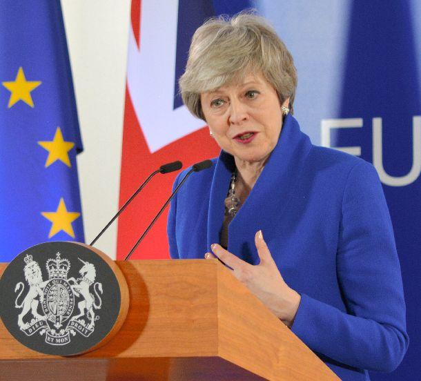 写真・図版 : 英国のメイ首相=2019年4月11日、ブリュッセル