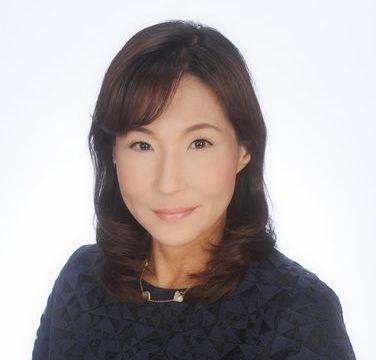 写真・図版 : 村上由美子・OECD東京センター所長