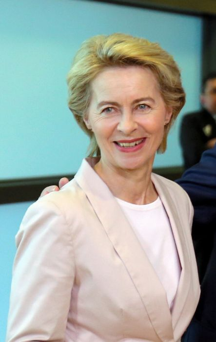 写真・図版 : 次期欧州委員長に就任することが決まったフォンデアライエン独国防相