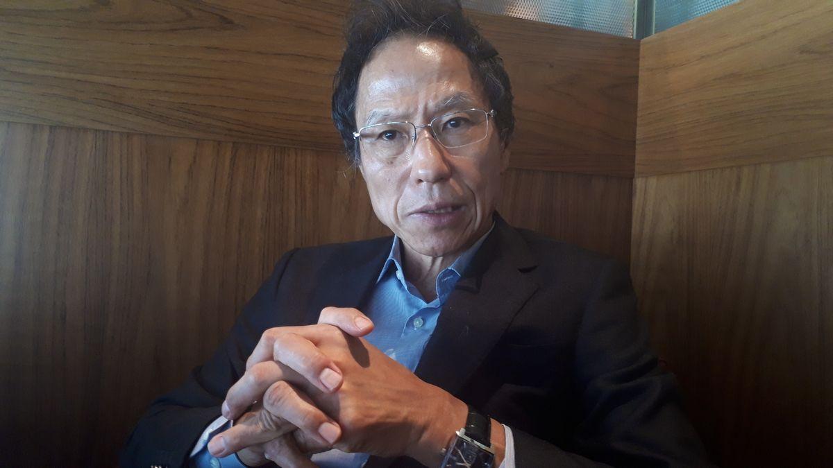 写真・図版 : インタビューに応じる姜尚中氏=7月26日、東京都内。藤田撮影