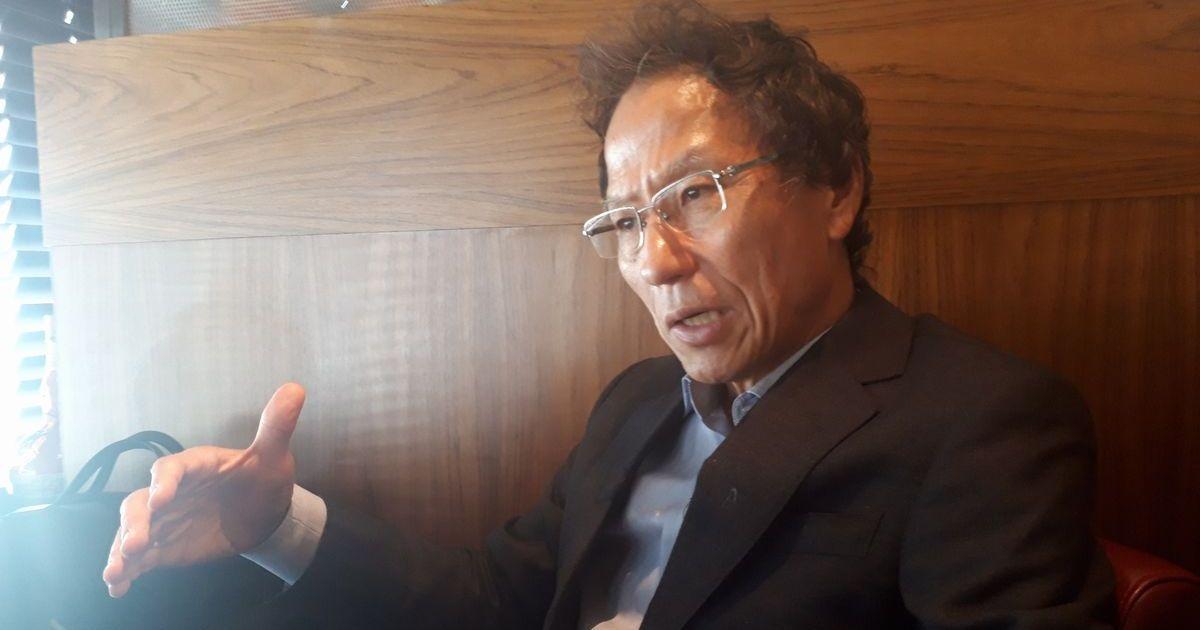 写真・図版 : 日韓問題を語る姜尚中氏=7月26日、東京都内。藤田撮影