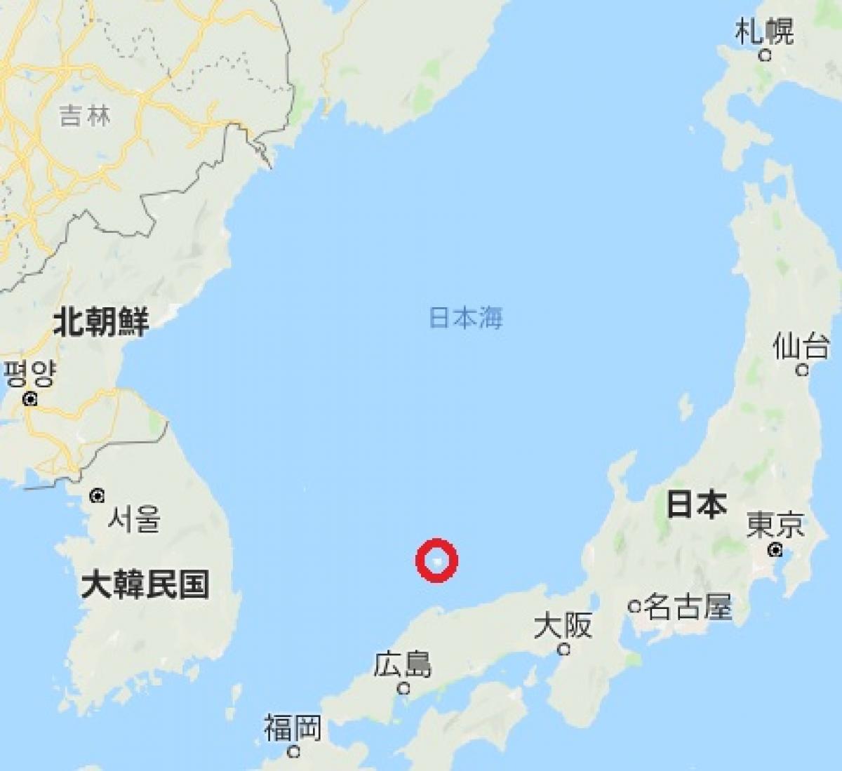 写真・図版 : ロシアと朝鮮半島、日本列島が囲む日本海に、隠岐諸島(赤丸)はある=google mapをもとに作成