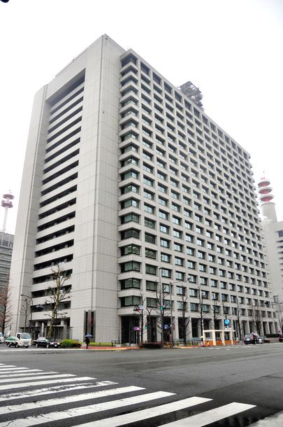 写真・図版 : 警察庁が入る中央合同庁舎第2号館=東京都千代田区