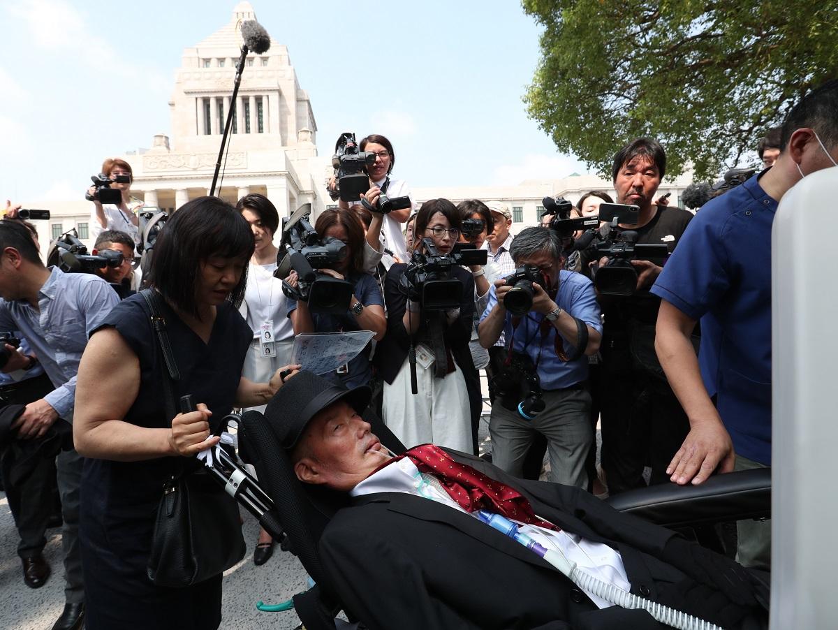 初登院した「れいわ新選組」の舩後靖彦氏=2019年8月1日