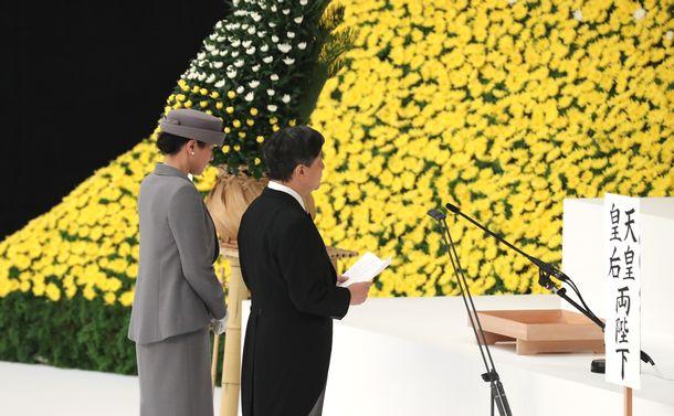 写真・図版 : 全国戦没者追悼式=2019年8月15日、東京都千代田区の日本武道館