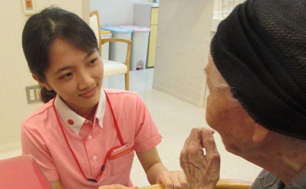 介護施設のスタッフの半分が外国人になる時代