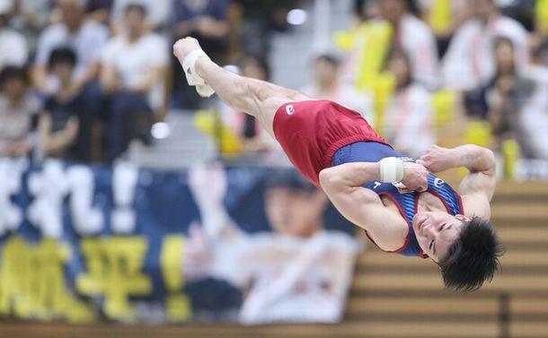 体操・内村航平、ケガと闘いながら東京五輪目指す