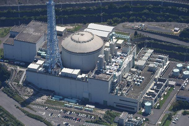 写真・図版 : 廃炉作業が進む高速増殖原型炉「もんじゅ」=2019年7月25日、福井県敦賀市、