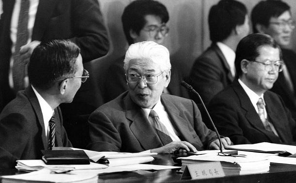 消費税の「毒」が回る日本でいいのか