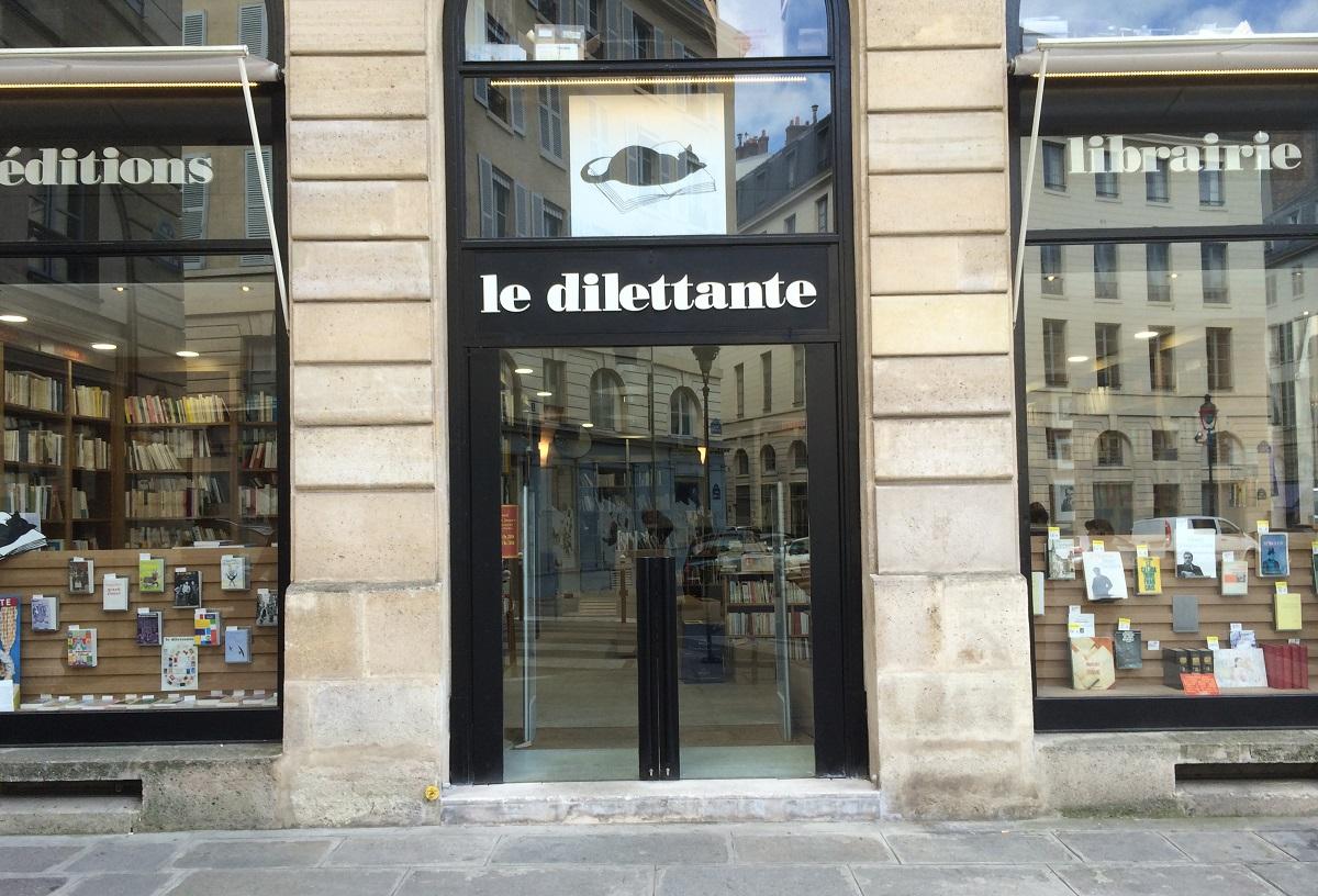 写真・図版 : パリの書店「Le Dilettante」=筆者提供