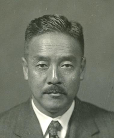 写真・図版 : 緒方竹虎(1888~1956)。朝日新聞の主筆を務め、副社長から1944年に政界へ。戦後の公職追放が解けた後は、内閣官房長官、副総理などを歴任した