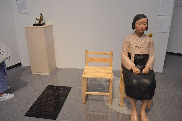 写真・図版 : 展示が中止された「表現の不自由展・その後」=2019年7月31日、名古屋市東区の愛知芸術文化センター
