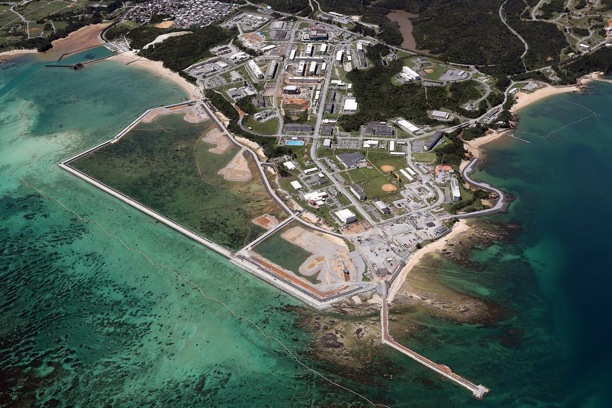 写真・図版 : 埋め立て工事が進む辺野古沖=2019年9月10日、沖縄県名護市