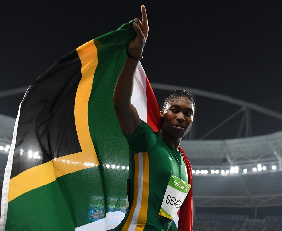 写真・図版 : リオ五輪の女子800mで金メダルを獲得したセメンヤ選手=2016年8月20日