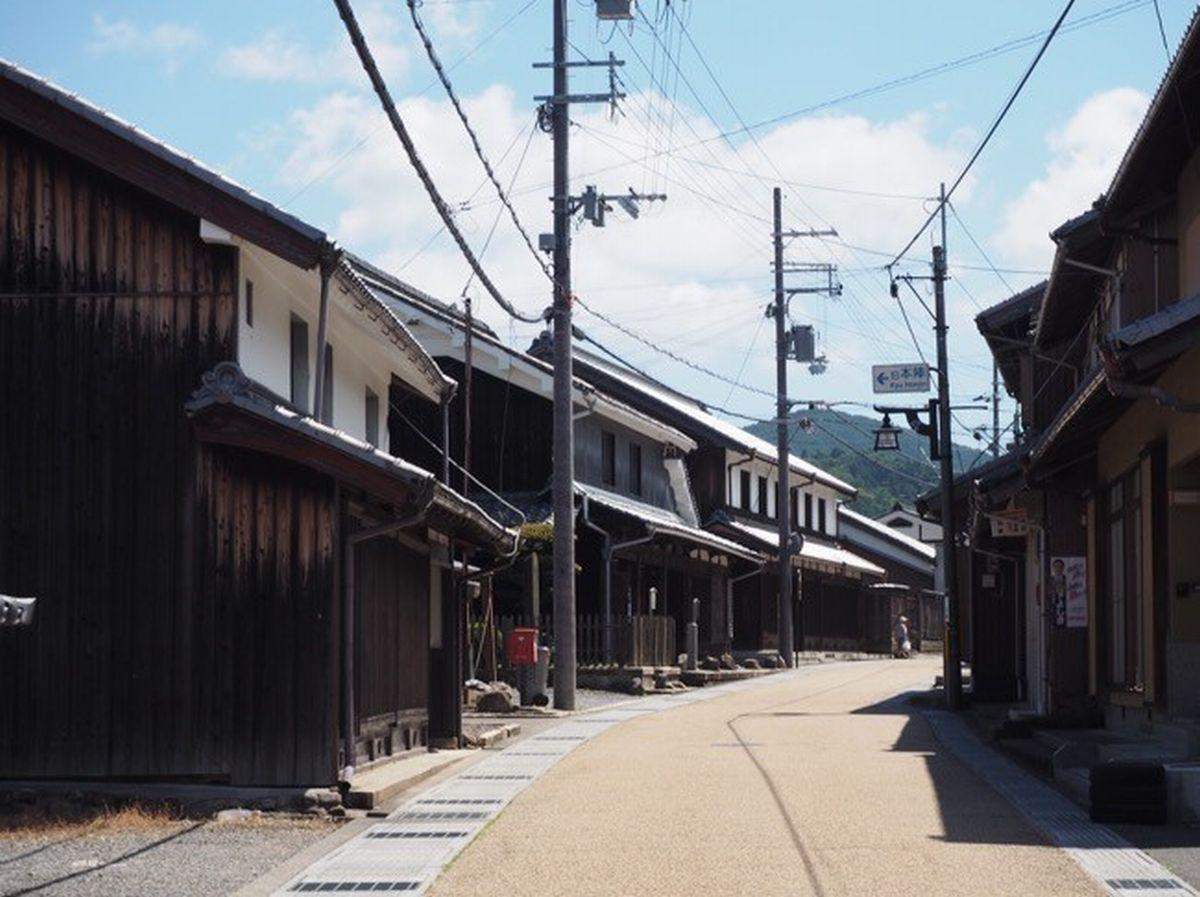 写真・図版 : 甲賀市にある東海道の土山宿=南雲さん提供