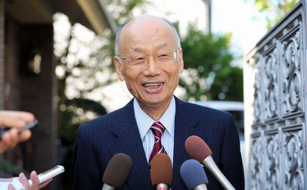 写真・図版 : 2015年にノーベル医学生理学賞を受けた大村智氏。寄生虫病の治療薬開発に貢献した=長島一浩撮影
