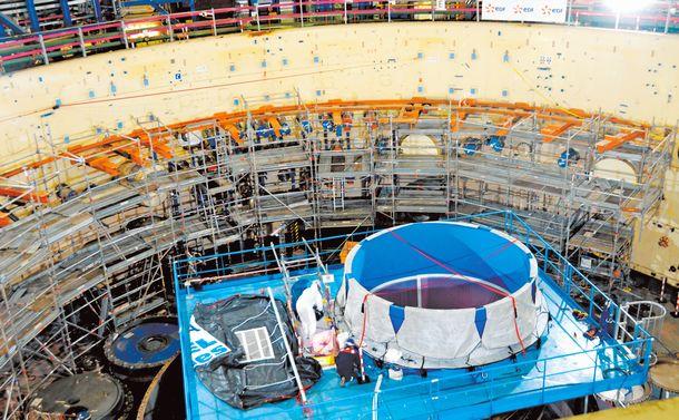 写真・図版 : 廃炉に向けた作業が進む高速増殖実証炉「スーパーフェニックス」=2019年7月、小川裕介撮影