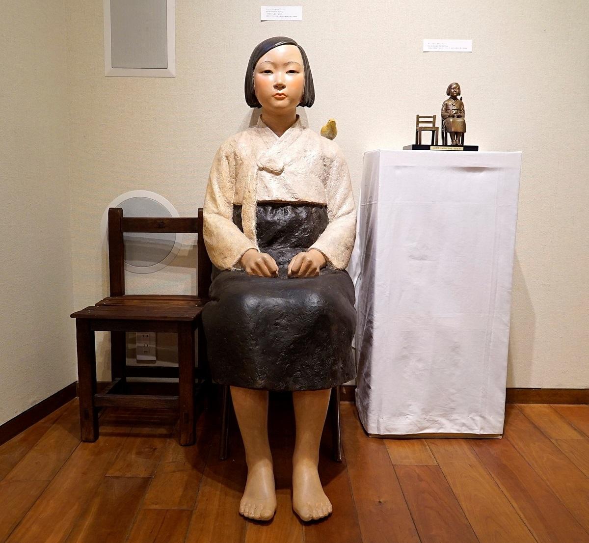 写真・図版 : 「平和の少女像」。あいちトリエンナーレの「表現の不自由展・その後」にも展示された