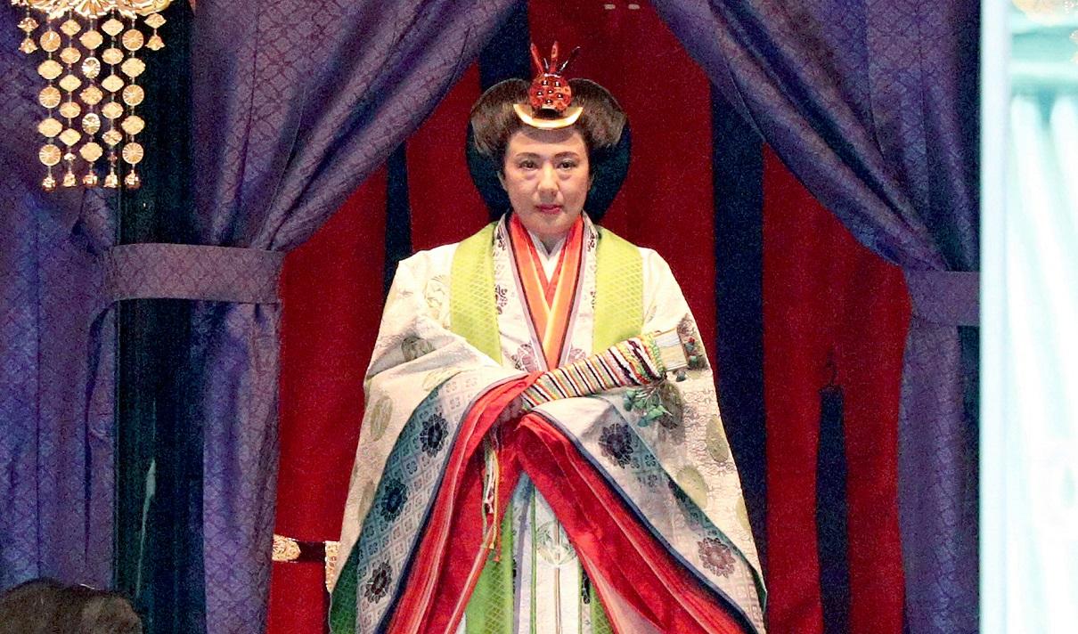即位礼正殿の儀」で、「御帳台」に立つ皇后さま=2019年10月22日午後1時13分、皇居・宮殿の正殿・松の間、代表撮影 20191022