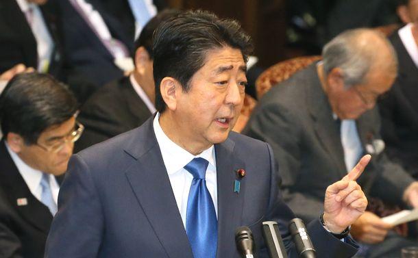 望月衣塑子の質問(5)安倍首相の朝日バッシング