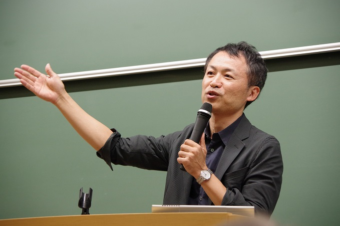写真・図版 : 阿部公彦・東大教授