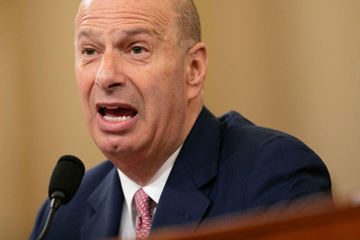 写真・図版 : 米下院の公聴会で証言するソンドランド駐EU米大使=2019年11月20日、ワシントン