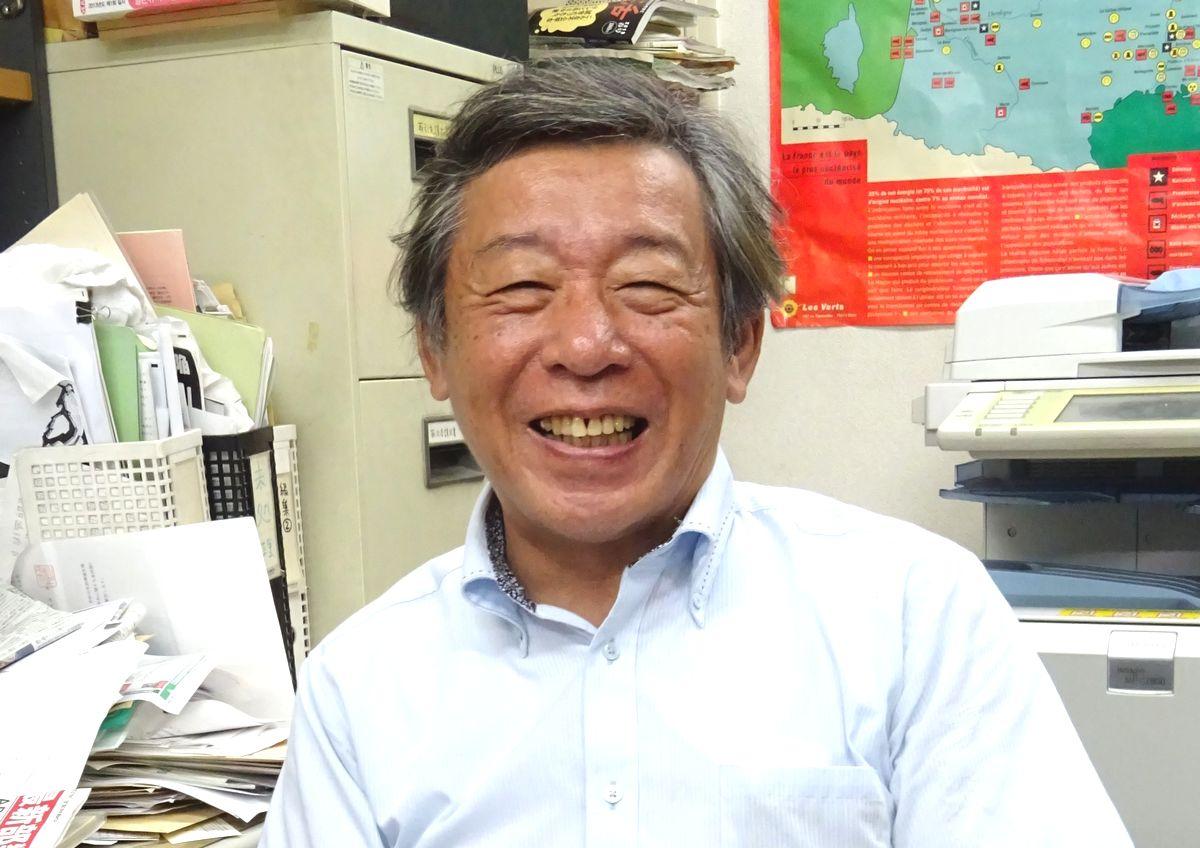 写真・図版 : アマゾンに出荷を停止している緑風出版の高須次郎社長(日本出版者協議会相談役)=臺宏士撮影