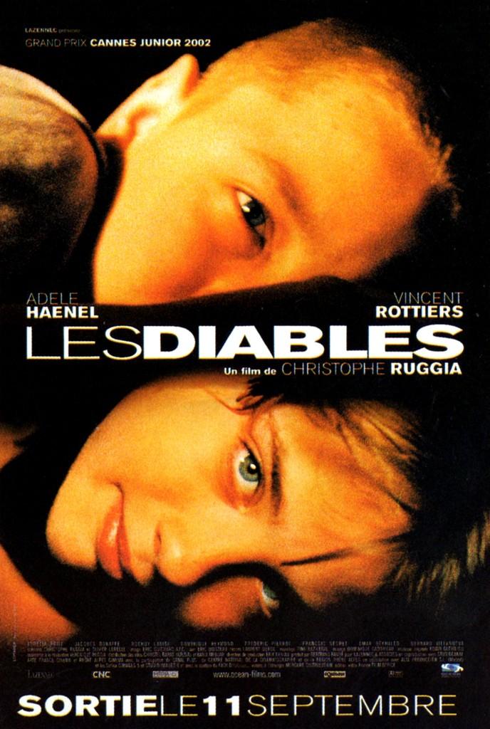 写真・図版 : アデル・エネル(下)が12歳で主演した映画『クロエの棲む夢』のフランス版ポスター。彼女は本作の監督を性暴力で告発した