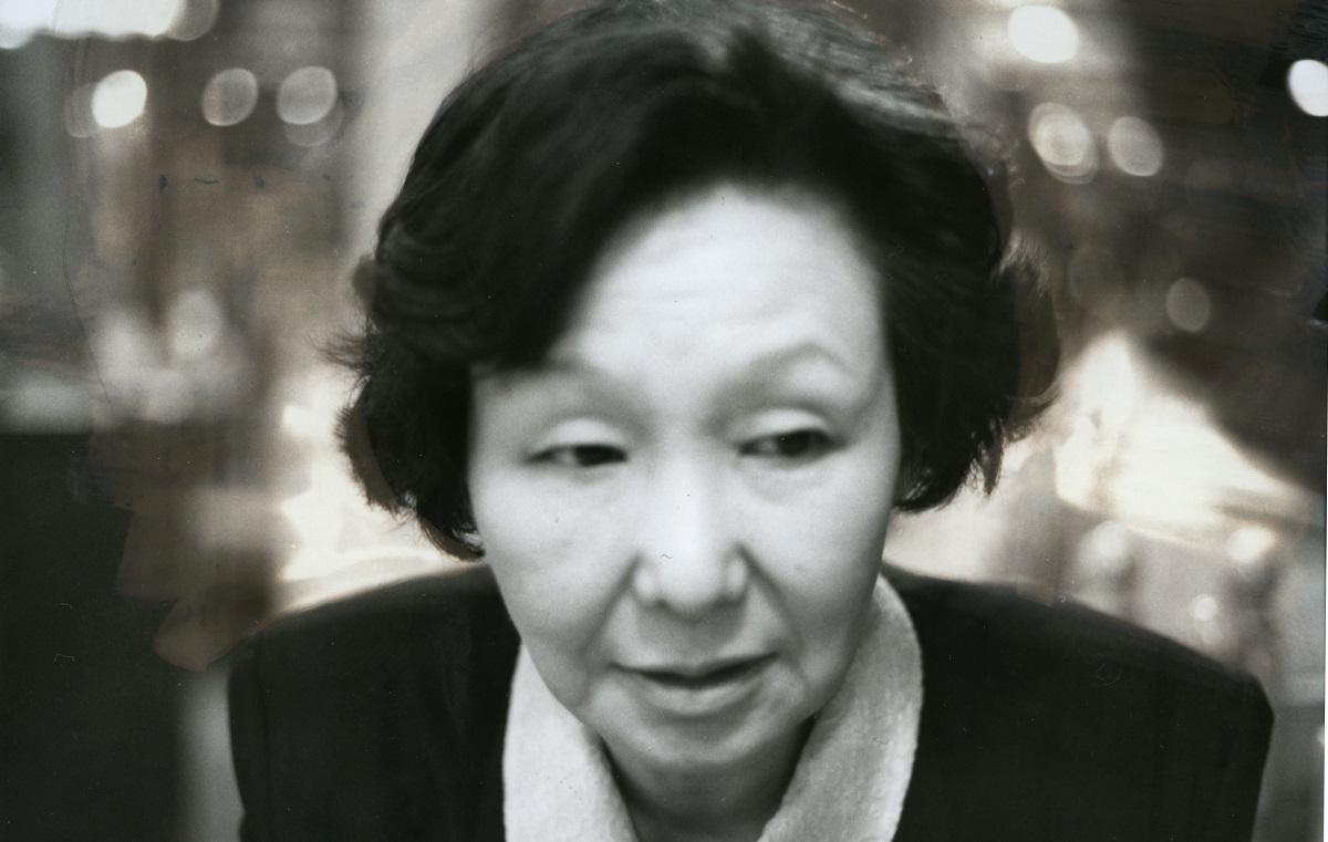写真・図版 : 小説集『体温』(書肆汽水域)の著者・多田尋子さん=1993年