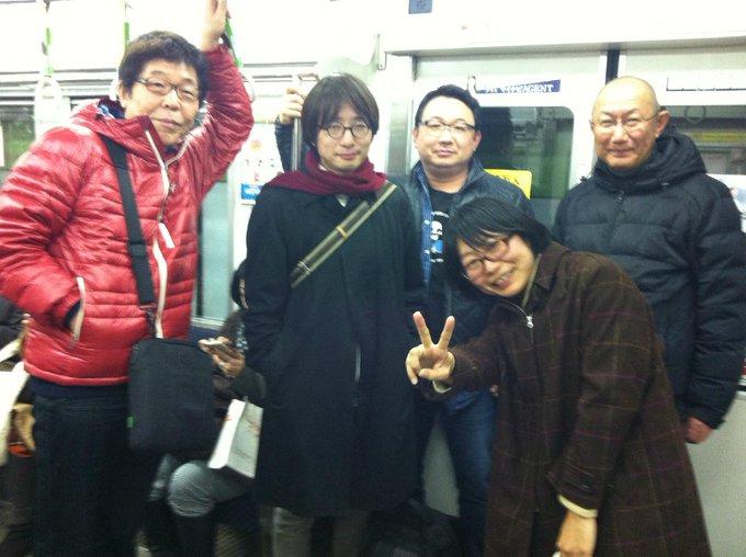 2014年1月の編集部新年会のあと。一番右が赤井茂樹さん。左から末井昭さん、山本 貴光さん、吉川浩満さん、朝日出版社第二編集部の大槻美和さん