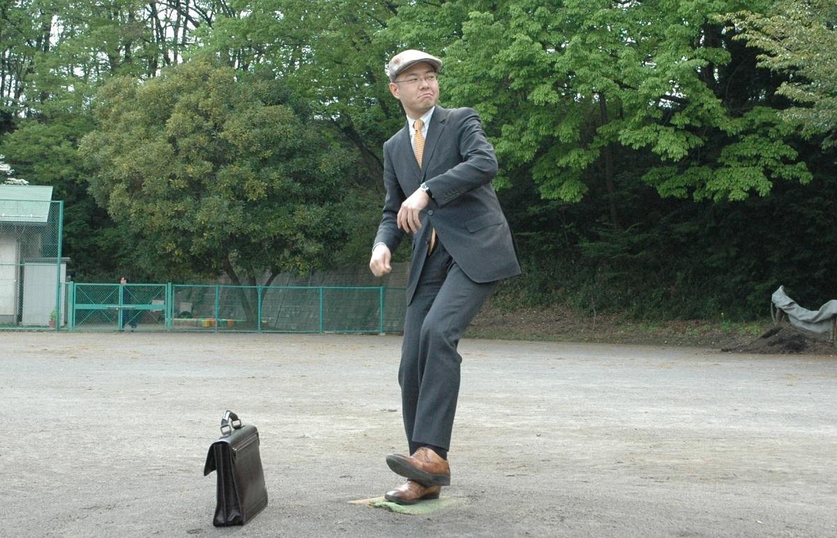 写真・図版 : 高校時代は軟式野球部でピッチャーだった岩崎夏海さん=2010年