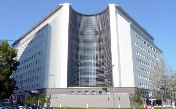 写真・図版 : 大阪府警本部=大阪市中央区