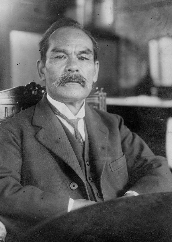 写真・図版 : 東北帝国大学総長の理学博士・小川正孝さん=1928年撮影
