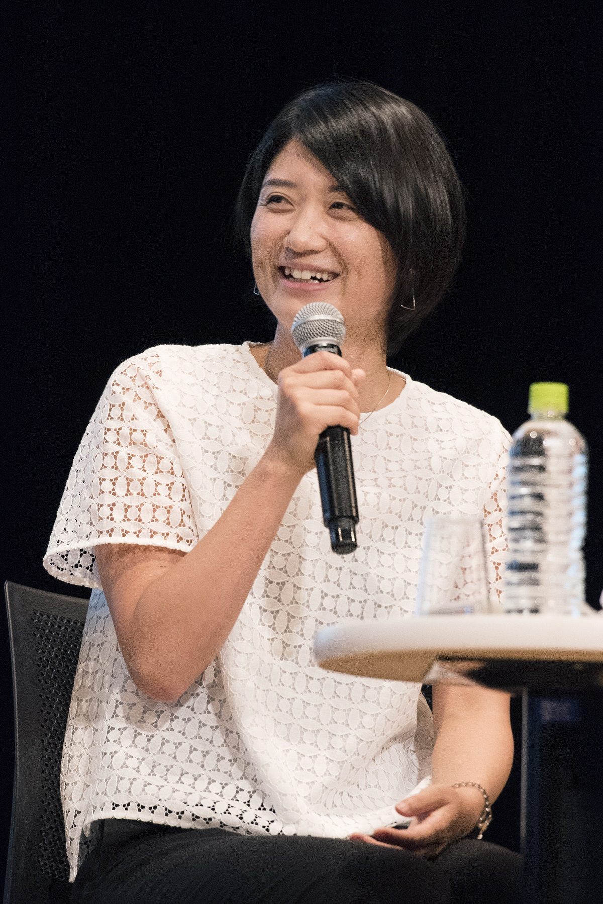 写真・図版 : 「水泳ニッポンを築いた男 田畑政治」で語る中村礼子さん