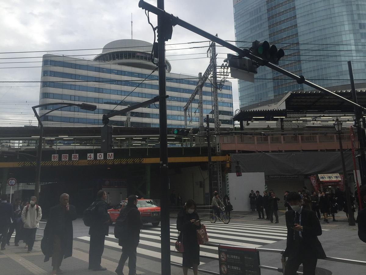 写真・図版 : かつてパチンコ店「メトロ」があったJR有楽町駅前=東京都千代田区
